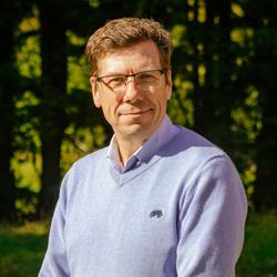 Dr Steve Tomkins.jpg
